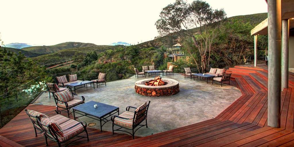 The wonderful facilities at Botlierskop include wonderful facilities including an open-air deck