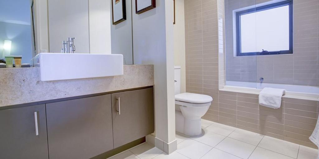 EnSuite Bathroom: Peppers Moonah Links