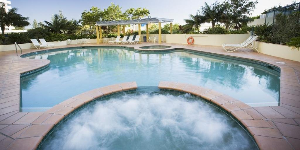 Outdoor Pool: Mantra Mooloolaba Beach