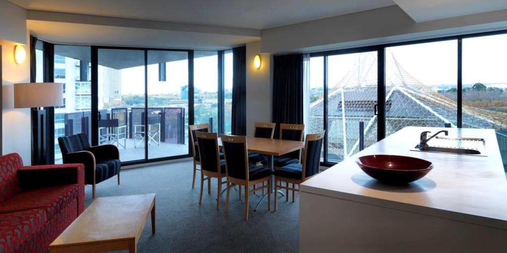 Double Bedroom: Mantra Apartments Southbank