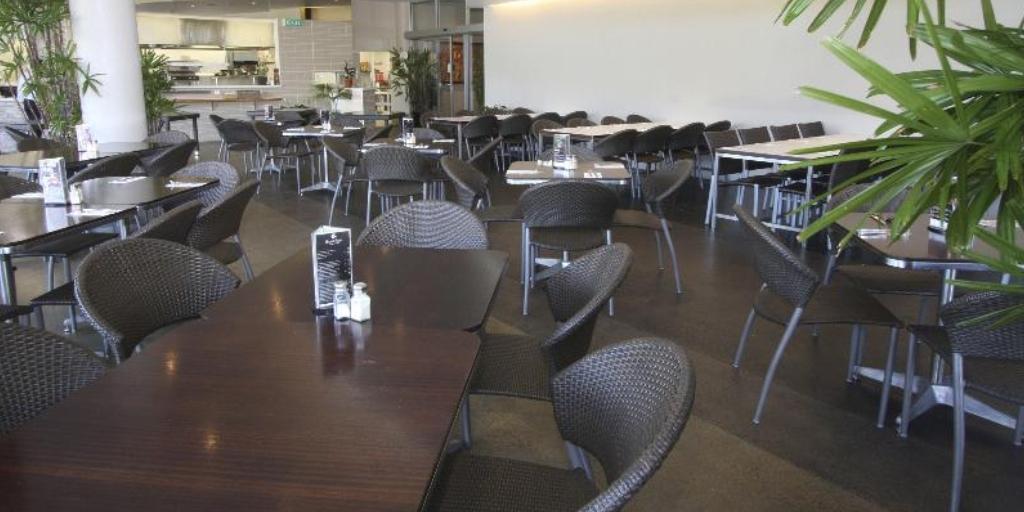 Poolside Restaurant: Ramada Marcoola Beach