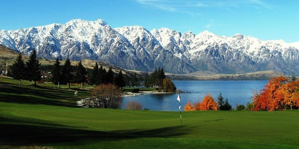 Hole 18 Queenstown GC