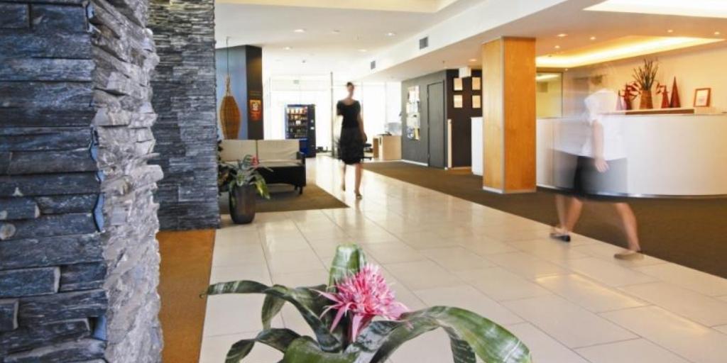 Lobby: Ramada Marcoola Beach