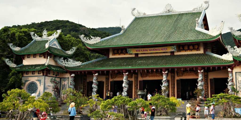 Linh Unh Pagoda at Marble Mountains