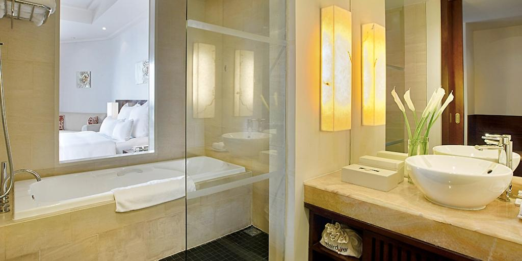Bathroom: Pullman Danang Beach Resort