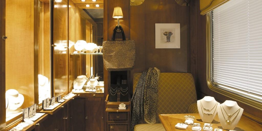 Blue Train: on board Boutique Shop