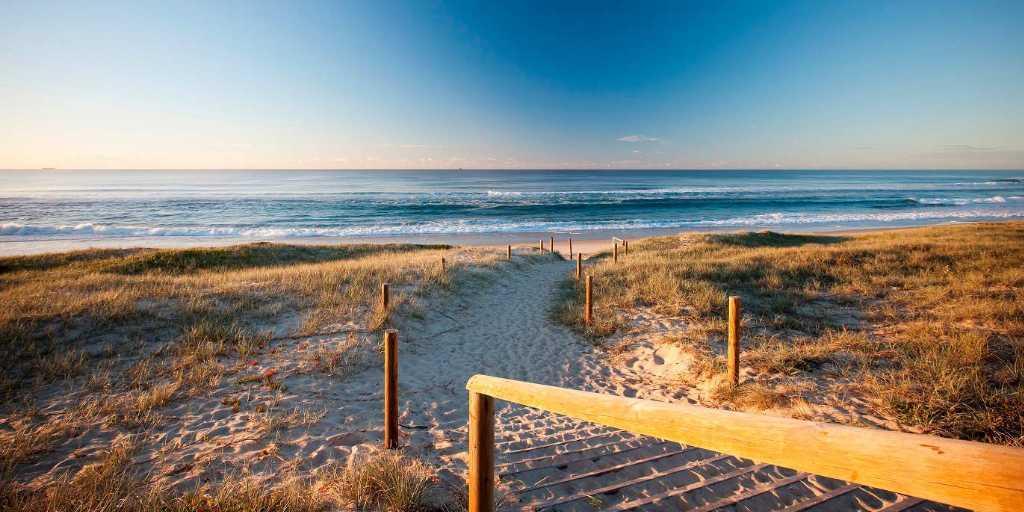 Direct Beach Access:Pullman Magenta Shores