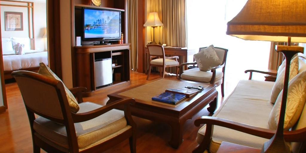 Living Room: Pattaya Marriott Resort & Spa
