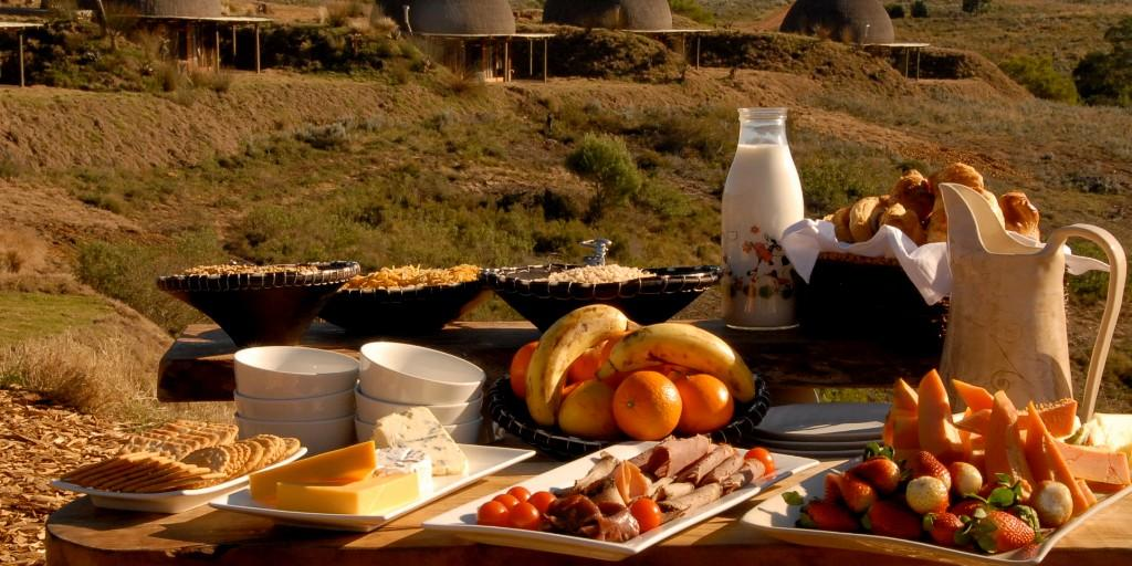 Enjoy a bush breakfast in the lap of nature