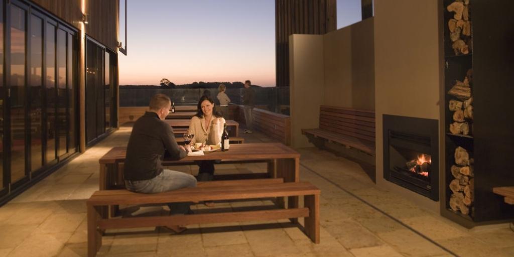 Restaurant Terrace: Peppers Moonah Links